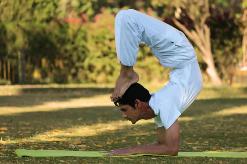 Calisthenics vs. Yoga